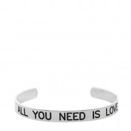 "Brazalete con  lema ""All you need is love """